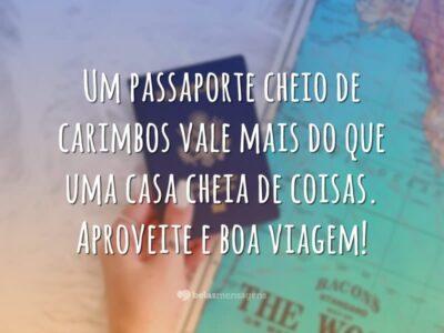 Um passaporte cheio de carimbos