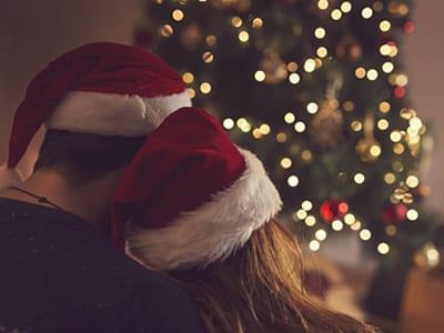 30 mensagens de Natal para namorado que vão iluminar o coração dele