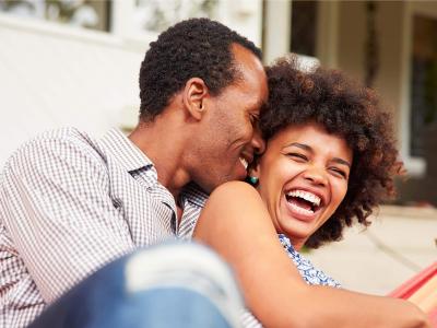 50 frases engraçadas de amor para trazer mais diversão a vida a dois