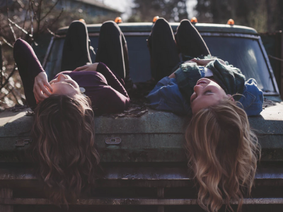 50 frases para irmã mais velha que expressam cumplicidade e amor