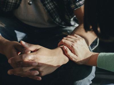 60 frases de apoio para ajudar quem está pedindo por socorro