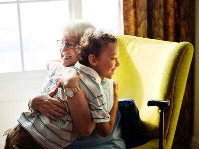 40 frases de avó para neto que revelam a delícia de tê-lo por perto