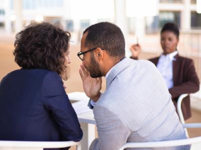 40 frases sobre fofoca para dedicar a quem fala mal da suas atitudes