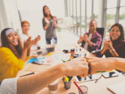 40 frases de parabéns para equipe que valorizam o trabalho realizado