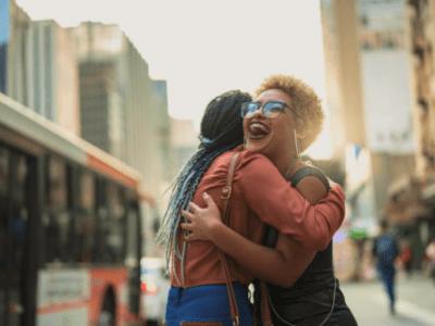 50 frases de amizade distante que amenizam a saudade dos amigos