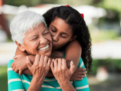 30 frases de Dia das Mães para avó que agradecem por tanto amor